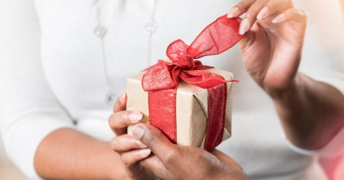 Last-Minute New Year Gift Ideas to Amaze Your Beloved Partner